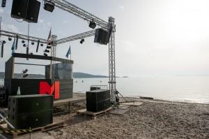 Le festival MIDI à lieu tout les ans à Hyères au mois de  juillet sur trois jours